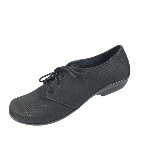 4e7ecc740937 Dansko Shoes - Dansko black snake print lace up Clogs Sz 10 40
